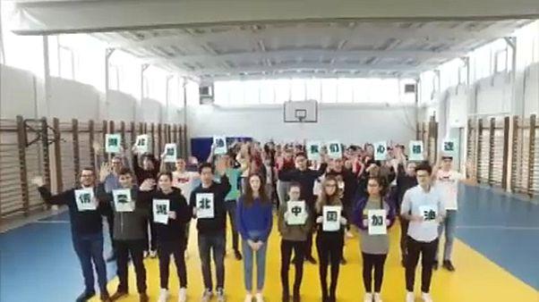 Üzentek Kínába a magyar-kínai kéttannyelvű gimnázium tanulói