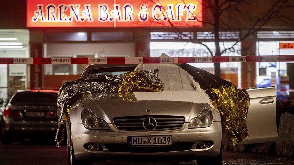 Hessen - Elf Tote nach Schüssen in Hanau, Hinweise auf rassistisches Motiv