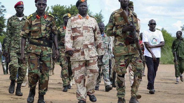 جنود المعارضة أثناء تشكيلهم لفريق مراقبة وقف إطلاق النار في جنوب السودان 28/08/2019