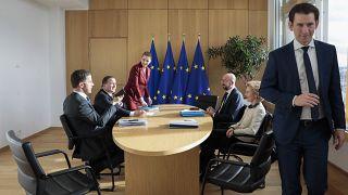 Discussion autour du budget de l'UE entre Ursula von der Leyen, Charles Michel, Marke Rutte, Stefan Lofven et Mette Frederiksen