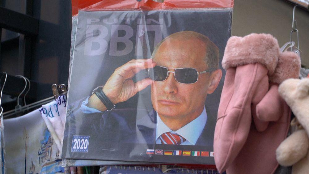 On Magnets Mugs And Matryoshka Dolls Putin S Face Still Sells Euronews