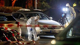 Ein Mann aus Hanau erschoss am Donnerstagabend 9 Menschen, er selbst und seine Mutter wurden tot in ihrer gemeinsamen Wohnung aufgefunden.