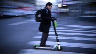 كندا تحظر استخدام السكوتر