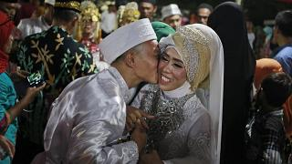 Endonezyalı bakandan yoksulluğa çözüm: Zenginler fakirlerle evlensin