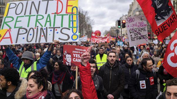 Los franceses no cesan en su protesta contra la reforma de las pensiones