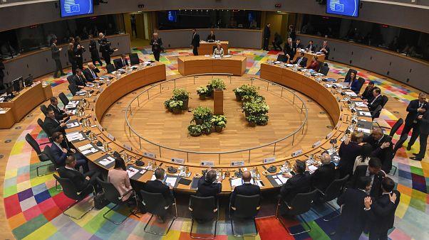 Les 27 parlent argent à Bruxelles, reportage dans les coulisses du sommet
