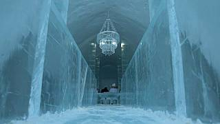مدخل الفندق المشيد من الثلج في جوكاسجارفي. 2020/02/20.