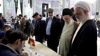 """""""Religiöse Pflicht"""" und """"nationale Feier"""": Parlamentswahl im Iran"""