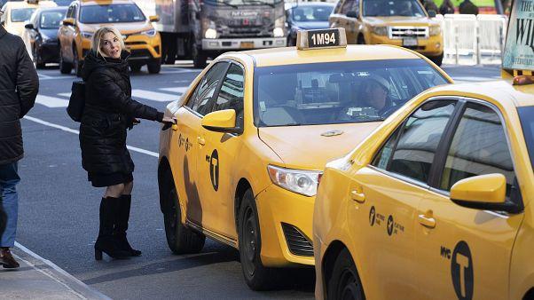 بلدية نيويورك مطالبة بدفع 810 ملايين دولار تعويضات لسائقي سيارات الأجرة