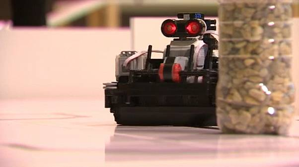 8 évesen kezdik a jövő robotikai szakemberei