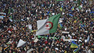 الجزائريون يحيون الذكرى الأولى للحراك الشعبي