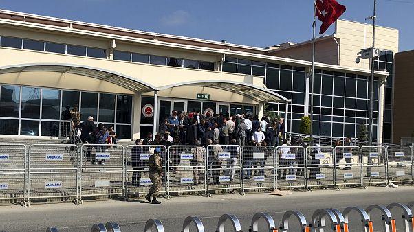 مجلس القضاء التركي سيفتح تحقيقا مع القضاة الذين برأوا رجل الأعمال والناشط عثمان كافالا