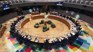 AB Liderleri Brüksel'de yuvarlak masa etrafında bütçeyi görüştü