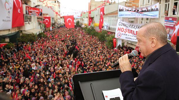 Cumhurbaşkanı Erdoğan İzmir'in Kınık ilçesinde vatandaşlara hitap etti