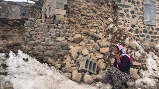 At least nine dead in Turkey after 5.7 magnitude earthquake strikes western Iran