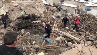 8 Tote bei Erdbeben in der Grenzregion zwischen Iran und der Türkei