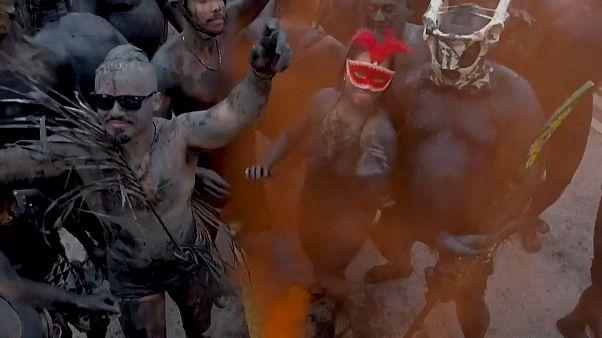 Очень грязный карнавал