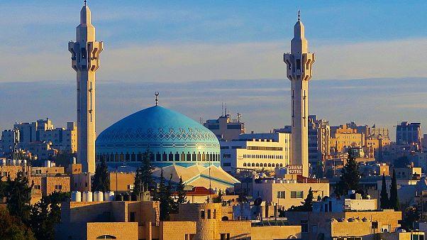 الأردن يمنع دخول الصينيين والإيرانيين والكوريين الجنوبيين بسبب فيروس كورونا