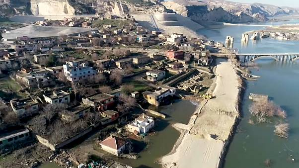 Древний город Хасанкейф уходит под воду. Съёмки с дрона, февраль 2020 года