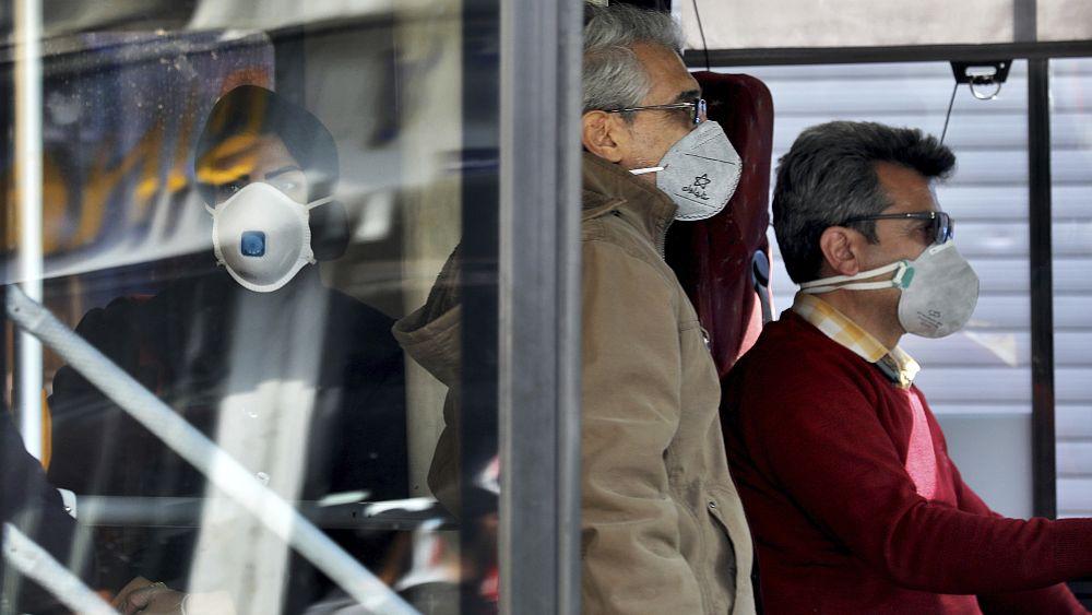 İran'da koronavirüs 15 can aldı; Ruhani 'Virüs davetsiz bir misafir gibi geldi' dedi