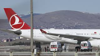 Tahran-İstanbul seferini yapan uçak, Covid-19 şüphesiyle Esenboğa Havalimanı'na iniş yaptı