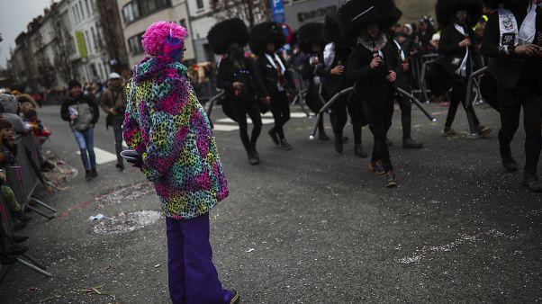 Карнавал в Алсте высмеивает всех