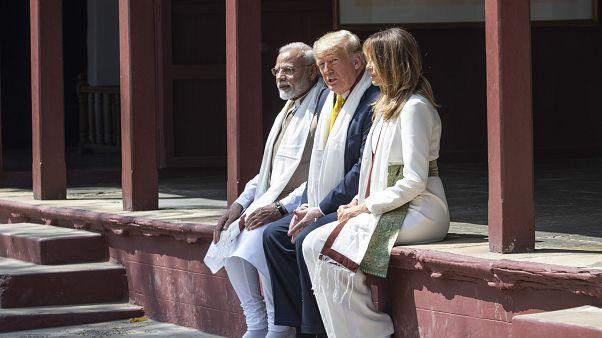 شاهد: ترامب وميلانيا في زيارة إلى منزل غاندي