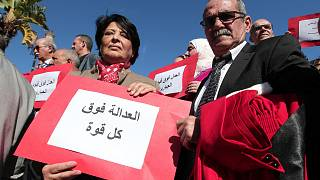 خلال مظاهرة أمام المحكمة في الجزائر