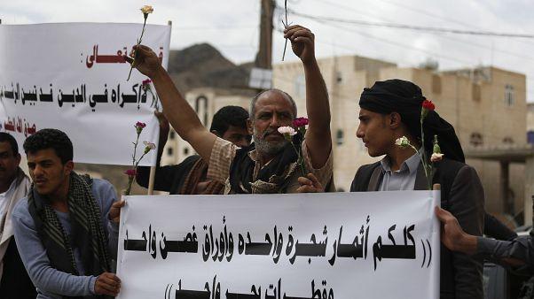 الولايات المتحدة تدعو المتمردين في اليمن إلى إسقاط تهم ضد بهائيين