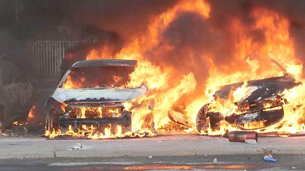 Viña del Mar: Autos in Flammen