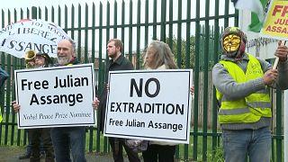 معترضان به استرداد آسانژ: به جای جولیان جنایتکاران جنگی را محاکمه کنید