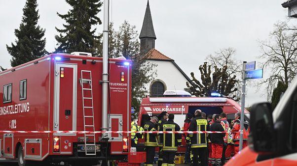 ФРГ: наезд автомобиля на карнавале в Фолькмарзене