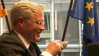 Norbert Röttgen kávézik