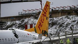 Pegasus Havayolları'na ait yolcu uçağı pistten çıkmış, 3 kişi hayatını kaybetmişti