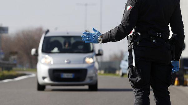 Bruselas descarta cerrar las fronteras para frenar el coronavirus