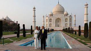 شستشوی قبور تاجمحل پس از ۳۰۰ سال و همزمان با ورود ترامپ به هند