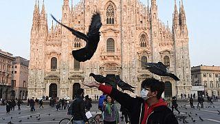 L'emergenza coronavirus cambia il volto di Milano