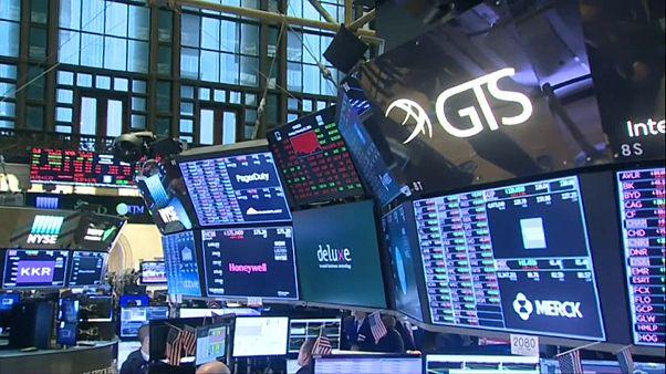 COVID-19: Πανικός στις χρηματαγορές - Πάνω ο χρυσός, κάτω το πετρέλαιο