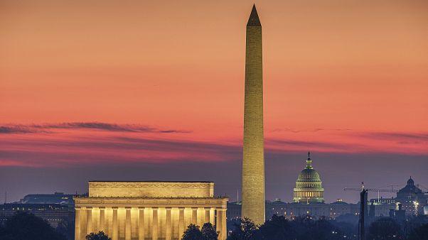 Beyaz Saray, Kongre'den 2,5 milyar dolar fon isteyecek