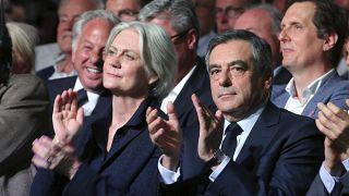 Accusé de détournement de fonds publics, le couple Fillon risque gros