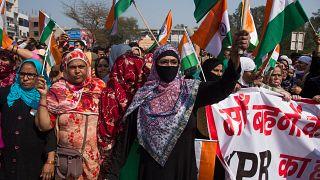 Hindistan'da, vatandaşlık yasasına karşı başlatılan protestolar