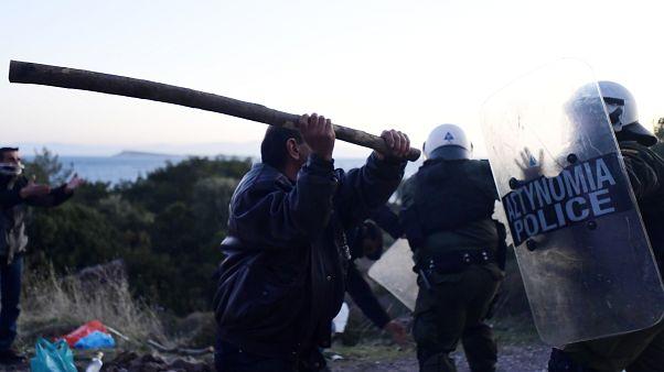 Αντιδράσεις για τα ΜΑΤ σε Χίο και Λέσβο - Αποφασισμένη η κυβέρνηση