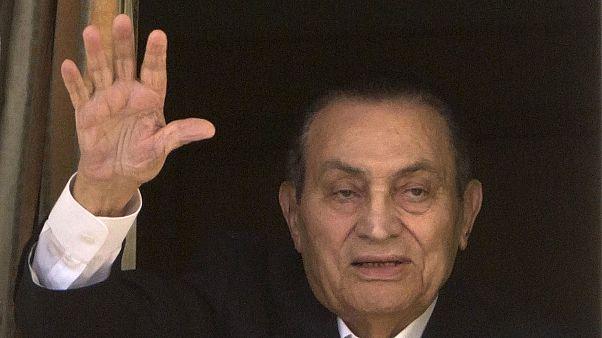 Hosni Mubarak numa foto de arquivo registada em abril de 2016 no Hospital Maadi Military