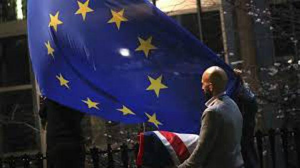 إزالة علم المملكة المتحدة من البرلمان الأوروبي في بروكسل بتاريخ 31/1/2020 وهو اليوم الذي خرجت فيه بريطانيا من التكتّل