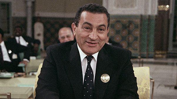 أبرز المحطات في حياة الرئيس المصري الأسبق محمد حسني مبارك