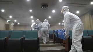 شاهد: كوريا الجنوبية تشرف على تطهير المرافق العامة للحد من انتشار فيروس كورنا