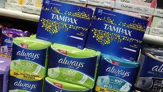 Dünyada bir ilk: İskoçya kadın hijyen ürünlerini bedava dağıtacak
