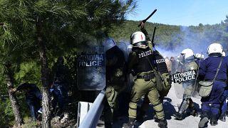 Стычки с полицией на острове Лесбос