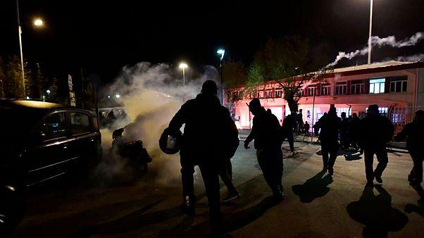 درگیری ساکنان جزایر یونان با پلیس بر سر احداث مرکز جدید ویژه پناهجویان