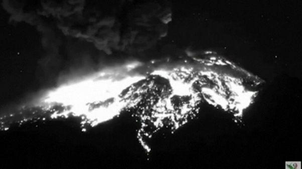 El volcán mexicano Popocatépetl entra en erupción